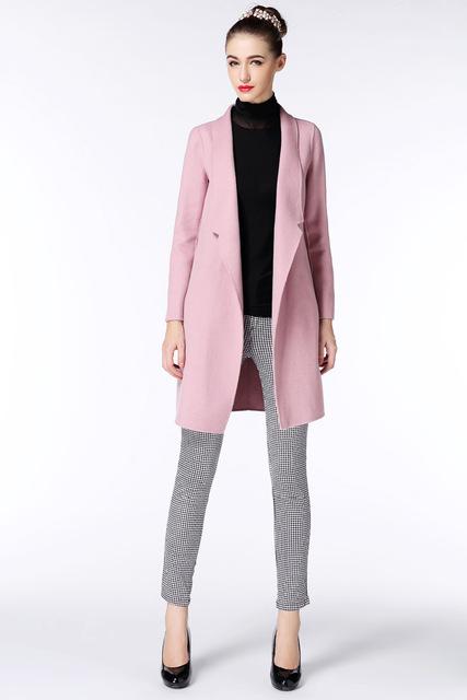 grayl-slim-pants-black-sweater-turtleneck-pink-light-jacket-coat-black-shoe-pumps-bun-howtowear-french-fall-winter-hairr-work.jpg