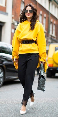 black-slim-pants-belt-white-shoe-pumps-yellow-sweater-sweatshirt-hoodie-brun-sun-fall-winter-lunch.jpg