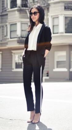 black-slim-pants-trackpants-white-top-blouse-black-jacket-blazer-sun-brun-fall-winter-lunch.jpg