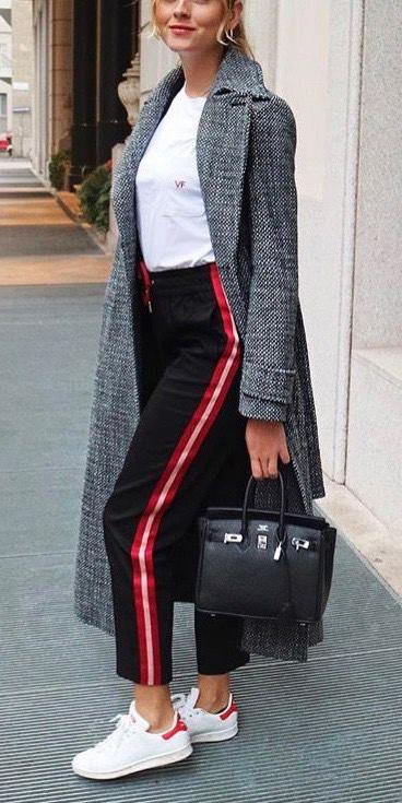 black-slim-pants-track-black-bag-white-tee-blonde-grayd-jacket-coat-white-shoe-sneakers-fall-winter-weekend.jpg