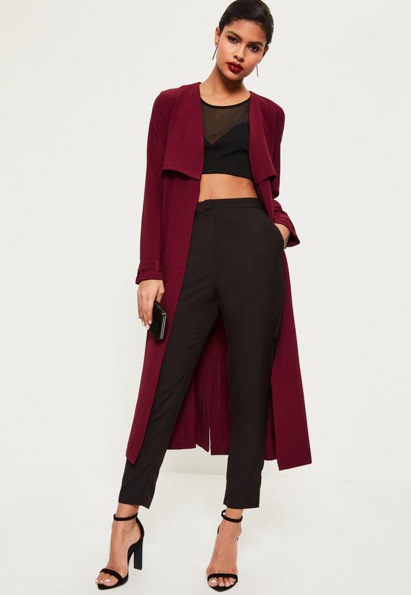 black-slim-pants-burgundy-jacket-coat-trench-black-crop-top-brun-earrings-black-shoe-sandalh-fall-winter-dinner.jpg