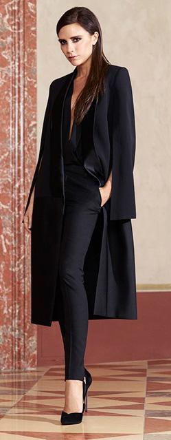 black-slim-pants-black-top-blouse-black-jacket-coat-mono-black-shoe-pumps-victoriabeckham-brun-fall-winter-dinner.jpg