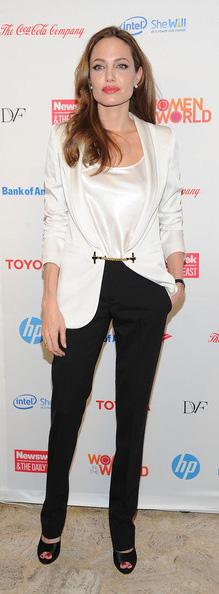 black-slim-pants-white-top-white-jacket-blazer-black-shoe-sandalh-angelinajolie-spring-summer-brun-work.jpg