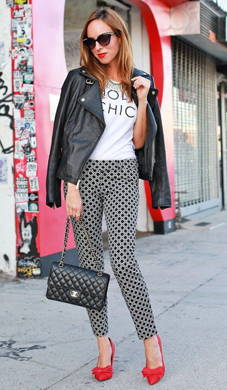 black-slim-pants-print-white-tee-black-jacket-moto-black-bag-red-shoe-pumps-sun-graphic-leather-howtowear-fashion-style-outfit-spring-summer-hairr-lunch.jpg