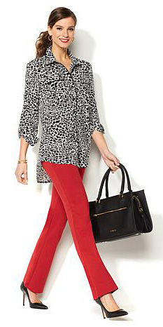 red-wideleg-pants-black-top-blouse-print-pony-black-bag-black-shoe-pumps-spring-summer-hairr-work.jpg