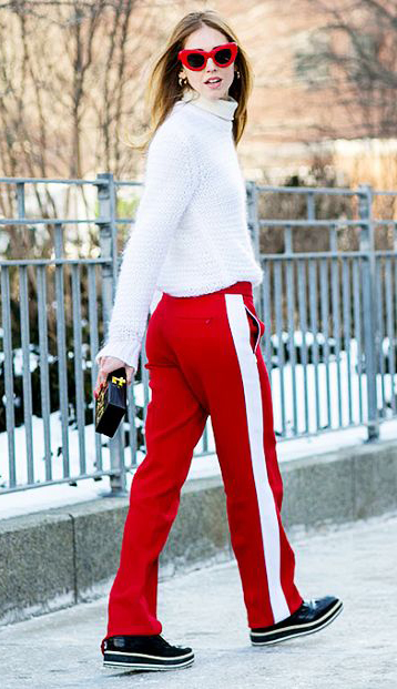 red-wideleg-pants-trackpants-white-sweater-turtleneck-sun-blonde-black-shoe-brogues-black-bag-fall-winter-lunch.jpg