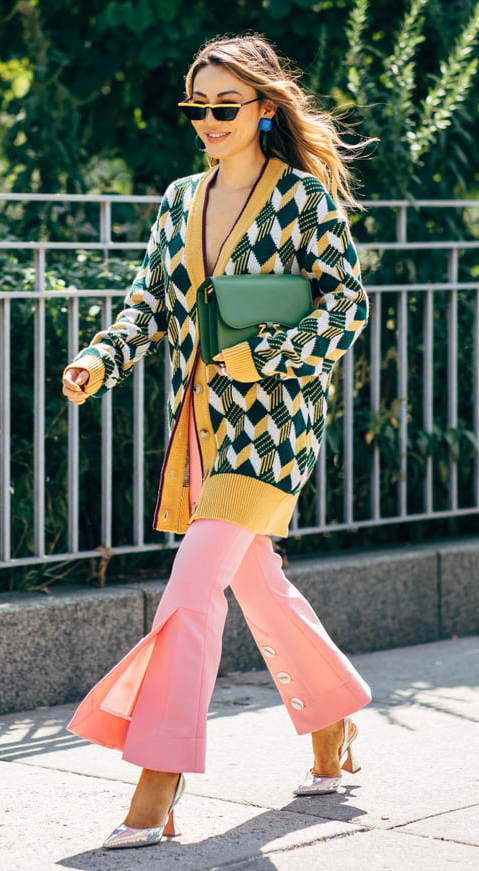 pink-light-wideleg-pants-argyle-print-yellow-cardiganl-green-bag-earrings-sun-hairr-green-dark-cardiganl-fall-winter-lunch.jpg