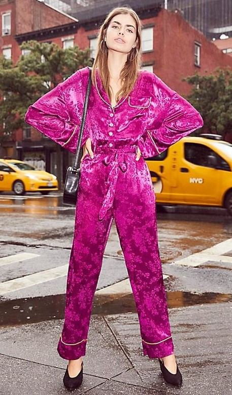 pink-magenta-wideleg-pants-pajamas-pink-magenta-collared-shirt-match-set-black-shoe-pumps-hairr-fall-winter-dinner.jpg