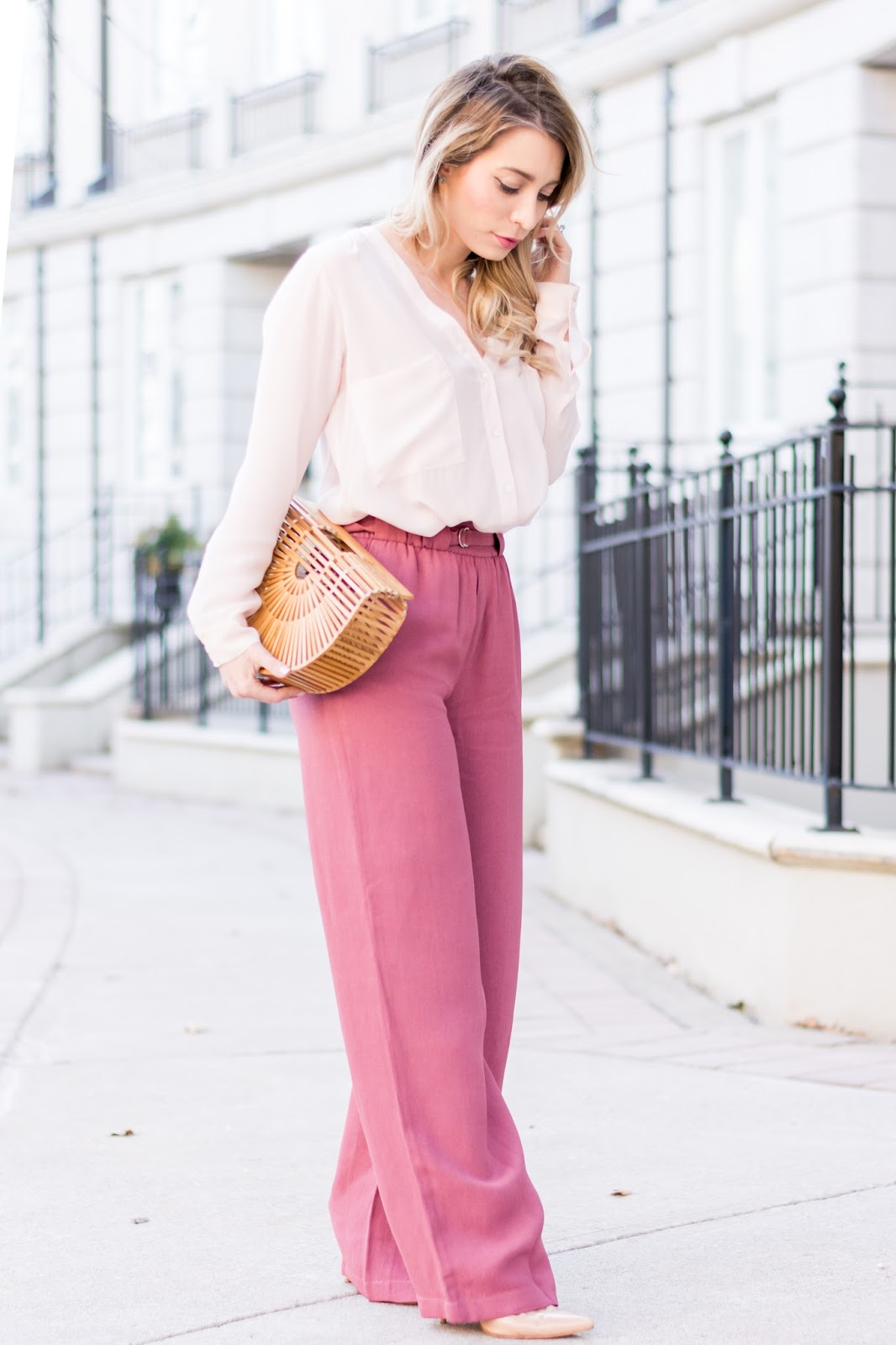 r-pink-magenta-wideleg-pants-white-top-blouse-tan-bag-howtowear-fashion-style-outfit-spring-summer-hairr-lunch.jpg