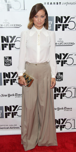tan-wideleg-pants-white-top-blouse-oliviawilde-palazzo-trousers-tan-bag-clutch-fall-winter-hairr-dinner.jpg