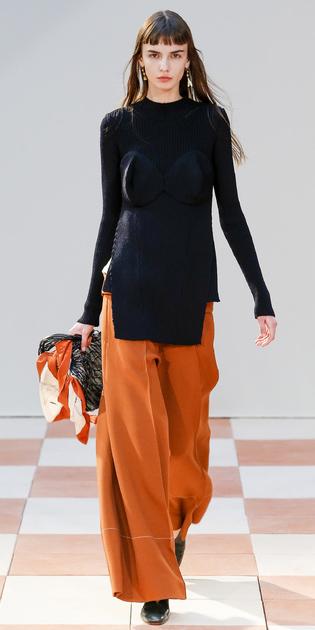 orange-wideleg-pants-black-sweater-tunic-earrings-runway-fall-winter-brun-dinner.jpg