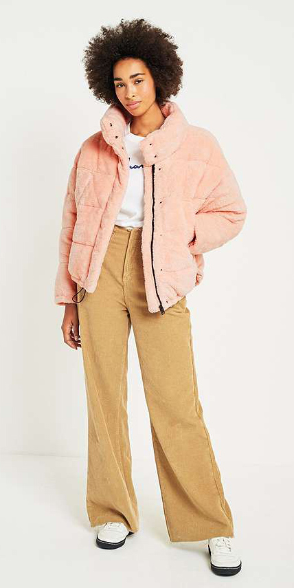 yellow-wideleg-pants-white-graphic-tee-white-shoe-sneakers-peach-jacket-coat-puffer-fall-winter-brun-weekend.jpg