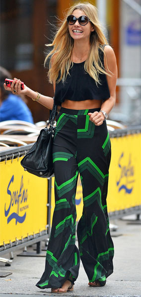 deaf3fb6528922 green-emerald-wideleg-pants-black-top-crop-black-