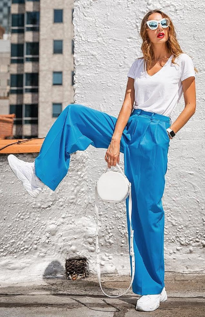 blue-med-wideleg-pants-white-bag-white-tee-blonde-sun-white-shoe-sneakers-dad-chunky-spring-summer-weekend.jpg