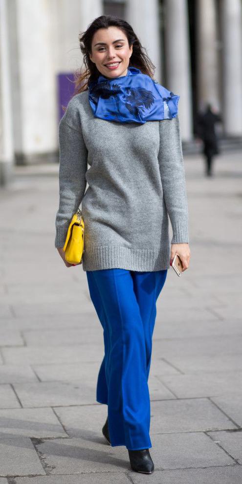 blue-med-wideleg-pants-grayl-sweater-blue-med-scarf-yellow-bag-hairr-fall-winter-lunch.jpg