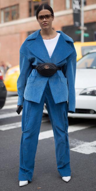 blue-med-wideleg-pants-white-tee-black-bag-fannypack-white-shoe-booties-blue-med-jacket-blazer-hairr-sun-fall-winter-lunch.jpg