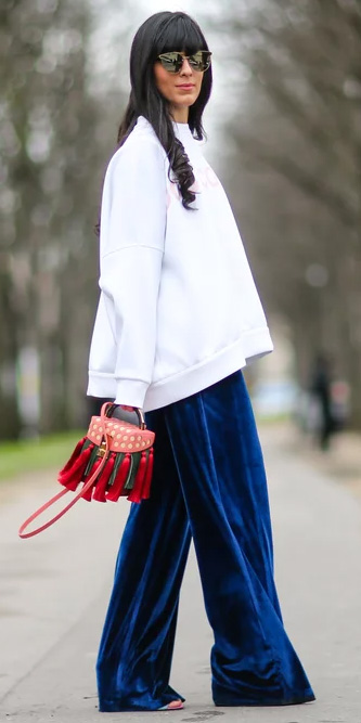 blue-navy-wideleg-pants-velvet-red-bag-white-sweater-sweatshirt-brun-sun-fall-winter-lunch.jpg