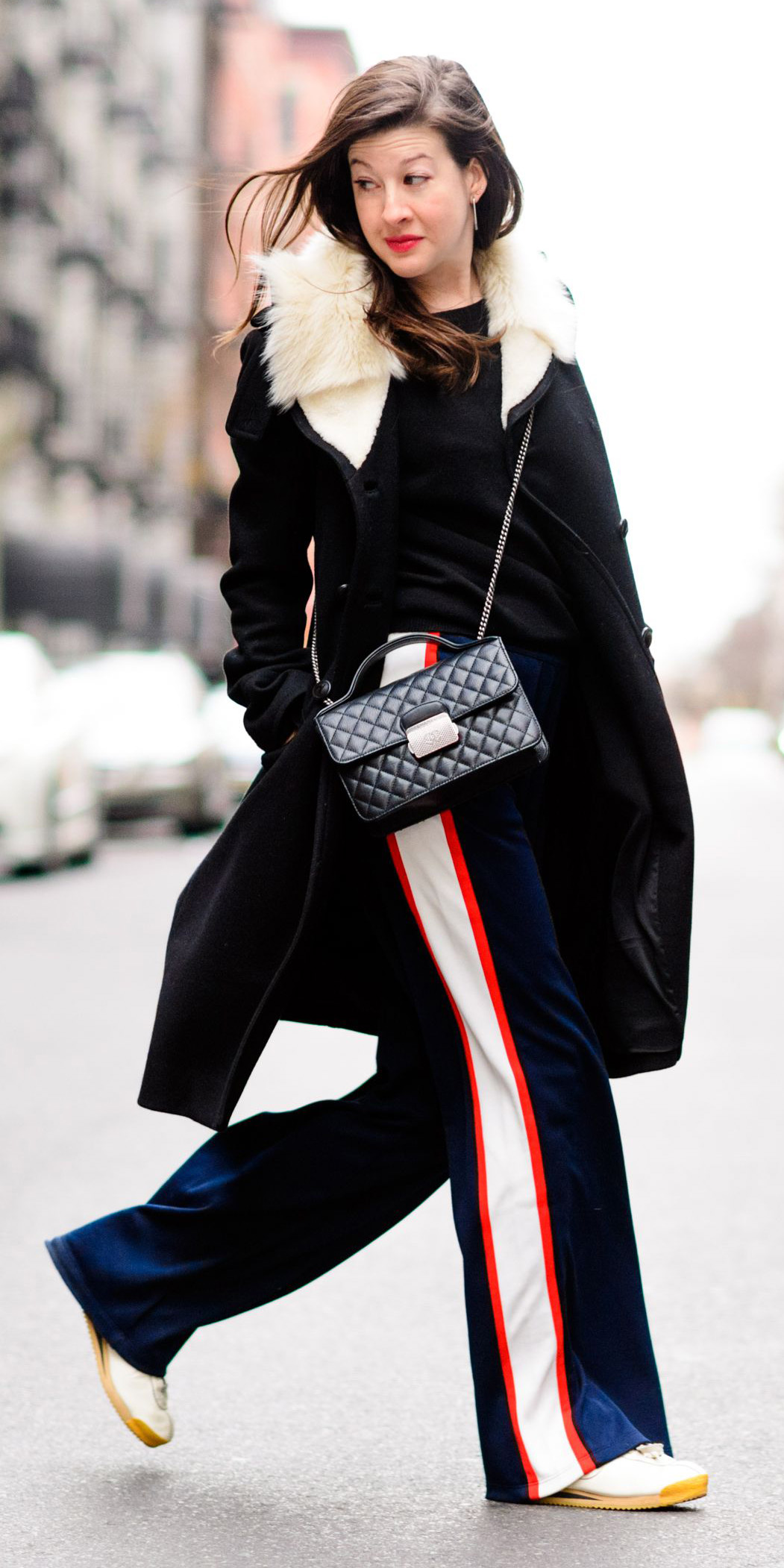 blue-navy-wideleg-pants-trackpants-black-sweater-black-bag-hairr-black-jacket-coat-white-shoe-sneakers-fall-winter-weekend.jpg