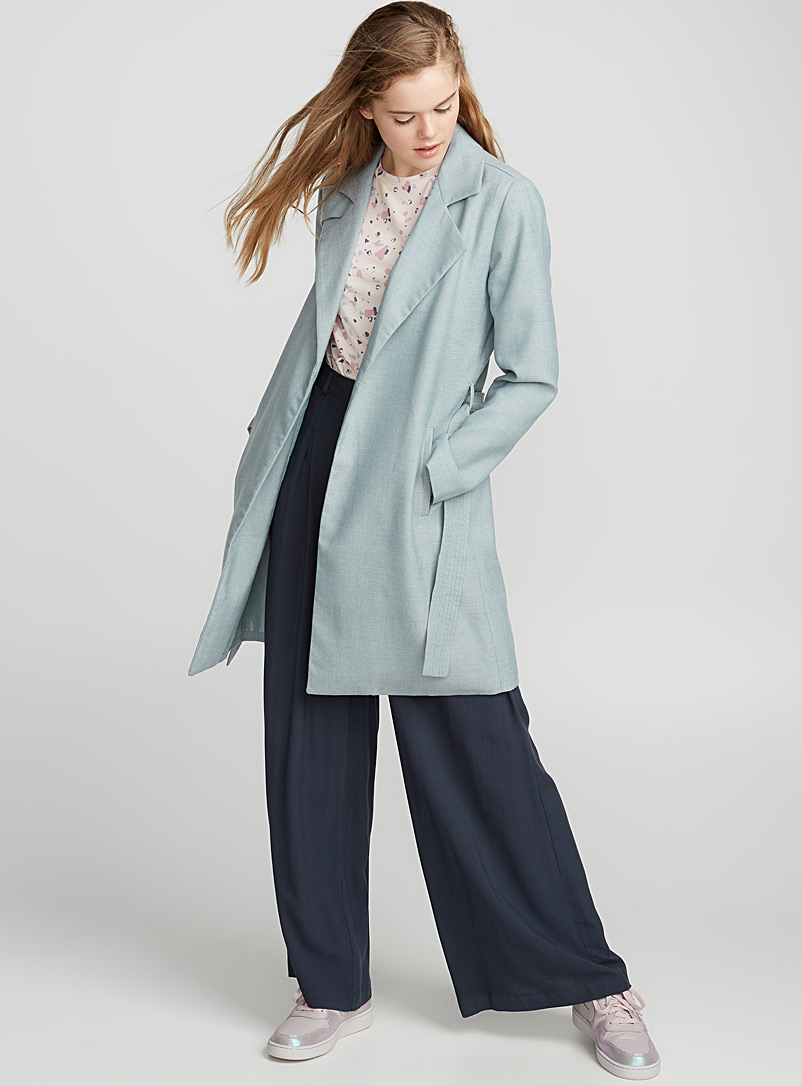 blue-navy-wideleg-pants-blue-light-jacket-coat-trench-pink-shoe-sneakers-blonde-fall-winter-weekend.jpg
