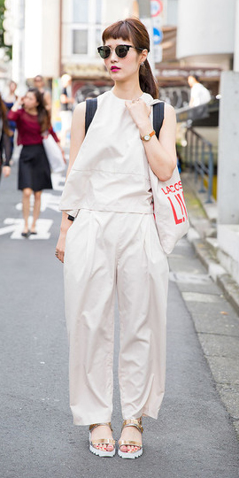 white-wideleg-pants-white-top-mono-tan-shoe-sandals-sun-pony-spring-summer-brun-lunch.jpg