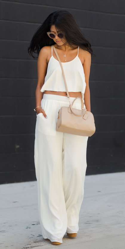 white-wideleg-pants-white-cami-mono-tan-bag-sun-spring-summer-brun-lunch.jpg
