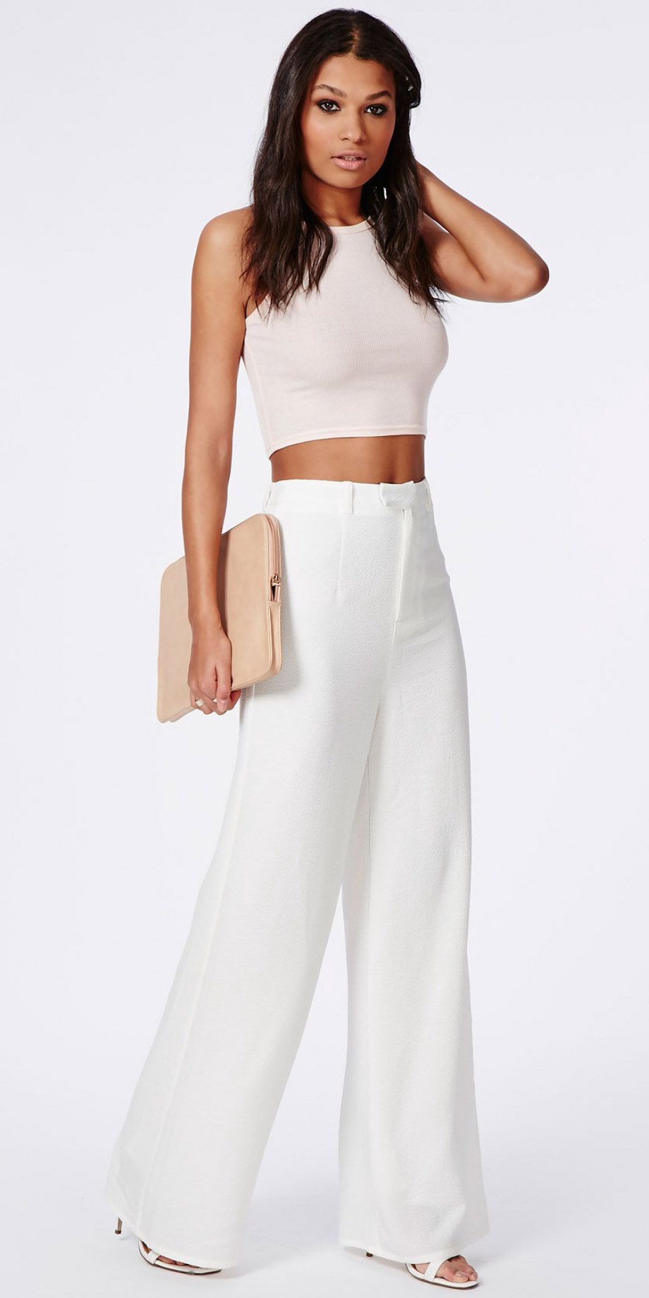 white-wideleg-pants-white-crop-top-white-shoe-sandalh-spring-summer-brun-dinner.jpeg