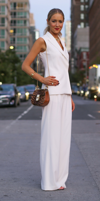 white-wideleg-pants-white-vest-tailor-blonde-pony-cognac-bag-spring-summer-dinner.jpg