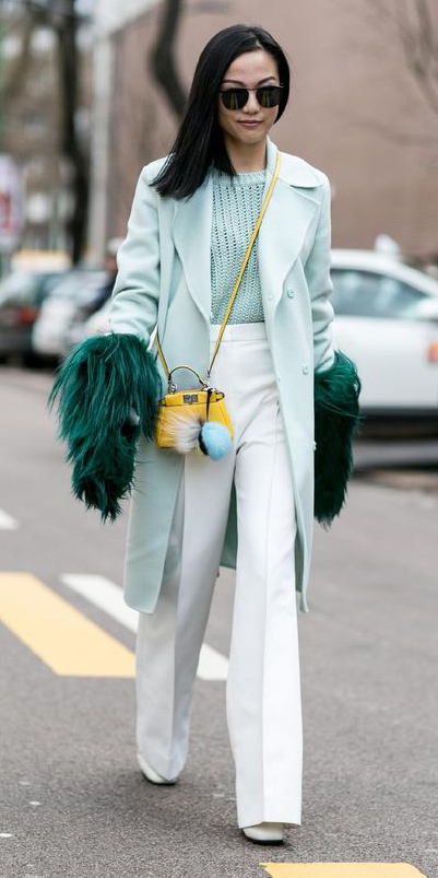 white-wideleg-pants-green-light-sweater-yellow-bag-brun-sun-green-light-jacket-coat-fall-winter-lunch.jpg
