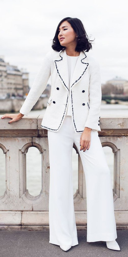 white-wideleg-pants-white-top-white-jacket-mono-white-shoe-booties-fall-winter-brun-lunch.jpg