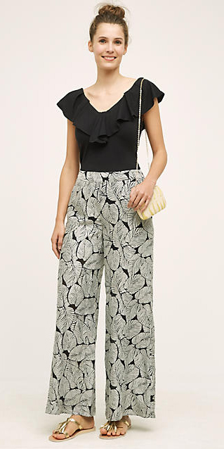 grayl-wideleg-pants-black-top-bun-white-bag-howtowear-style-fashion-spring-summer-ruffle-tan-shoe-sandals-hairr-lunch.jpg