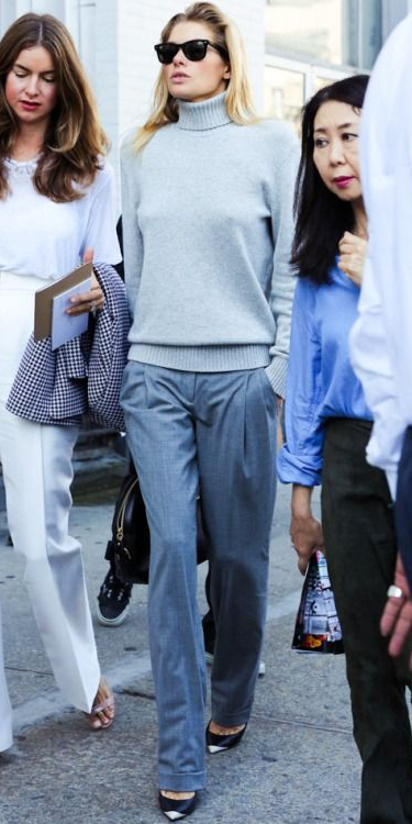grayl-wideleg-pants-grey-grayl-sweater-turtleneck-sun-black-bag-black-shoe-pumps-fall-winter-blonde-work.jpg