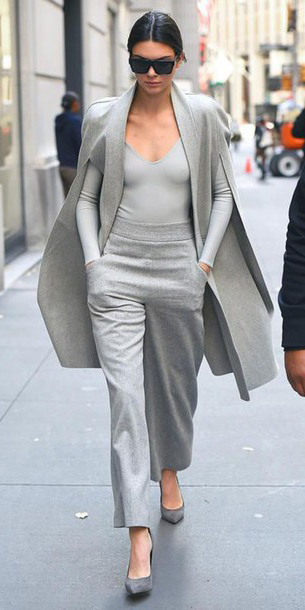 grayl-wideleg-pants-grayl-top-grayl-jacket-coat-cape-sun-kendalljenner-gray-shoe-pumps-fall-winter-brun-lunch.jpg