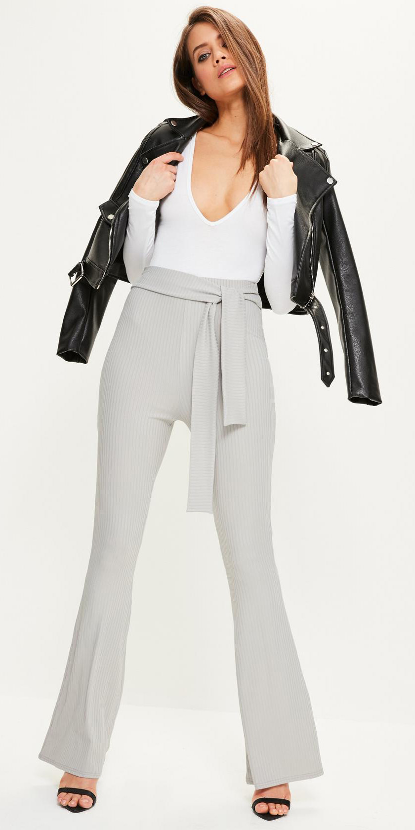 grayl-wideleg-pants-white-top-black-jacket-moto-black-shoe-sandalh-fall-winter-hairr-dinner.jpg