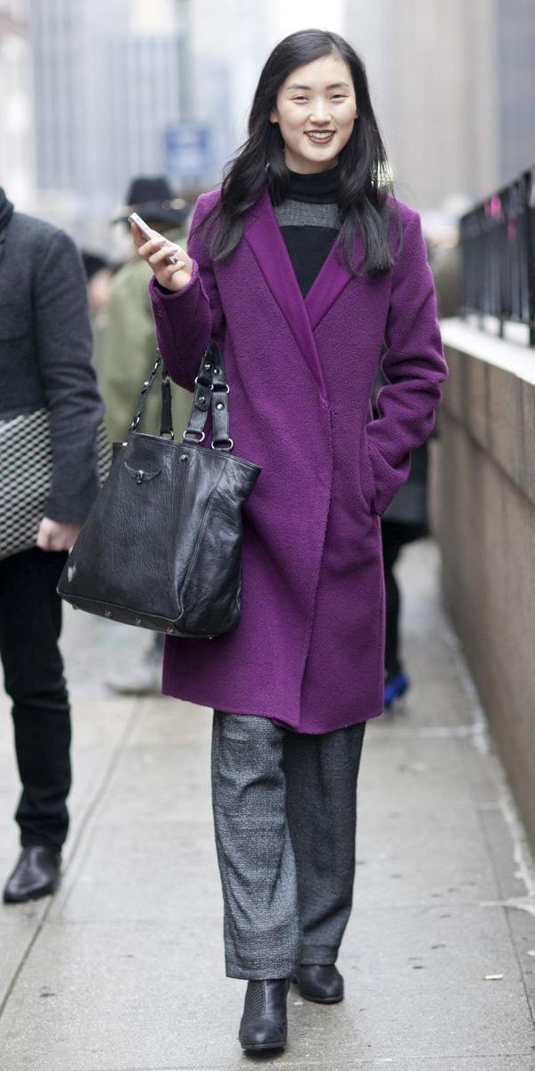 grayd-wideleg-pants-black-bag-black-shoe-booties-black-sweater-turtleneck-purple-royal-jacket-coat-fall-winter-brun-work.jpeg