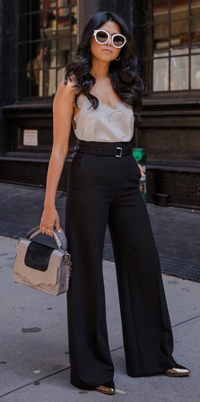 black-wideleg-pants-gray-bag-sun-brun-grayl-cami-spring-summer-lunch.jpg
