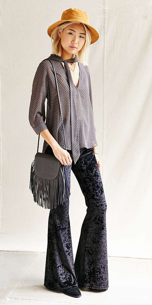 black-wideleg-pants-grayd-top-blouse-black-bag-fringe-black-shoe-booties-howtowear-style-fashion-fall-winter-urbanoutfitters-blonde-velvet-tie-hat-lunch.jpg