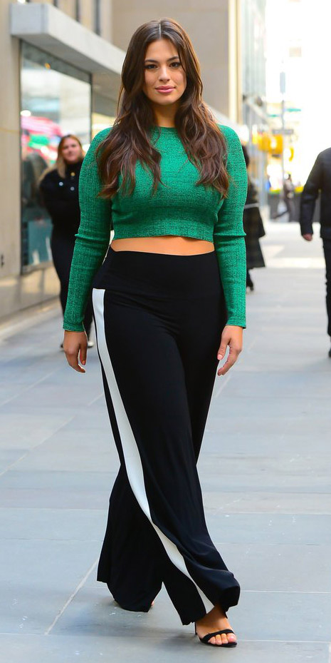 black-wideleg-pants-trackpants-green-emerald-crop-top-hairr-black-shoe-sandalh-ashleygraham-fall-winter-lunch.jpg