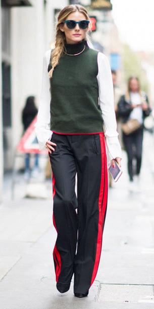 black-wideleg-pants-green-dark-sweater-sleeveless-layer-trackpants-braid-blonde-sun-oliviapalermo-fall-winter-lunch.jpg