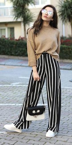black-wideleg-pants-vertical-stripe-white-shoe-sneakers-tan-sweater-brun-white-bag-sun-fall-winter-weekend.jpg