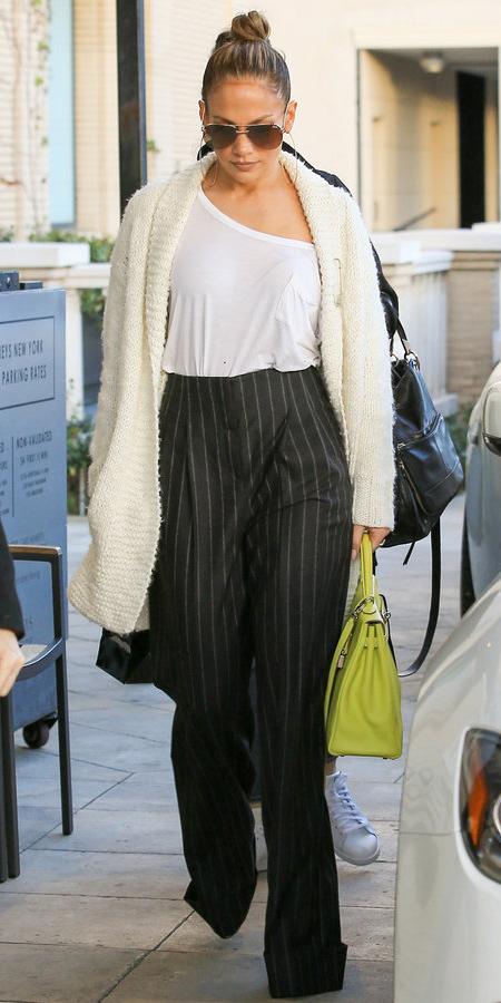 black-wideleg-pants-white-tee-green-bag-white-cardiganl-hairr-sun-hoops-bun-fall-winter-lunch.jpg