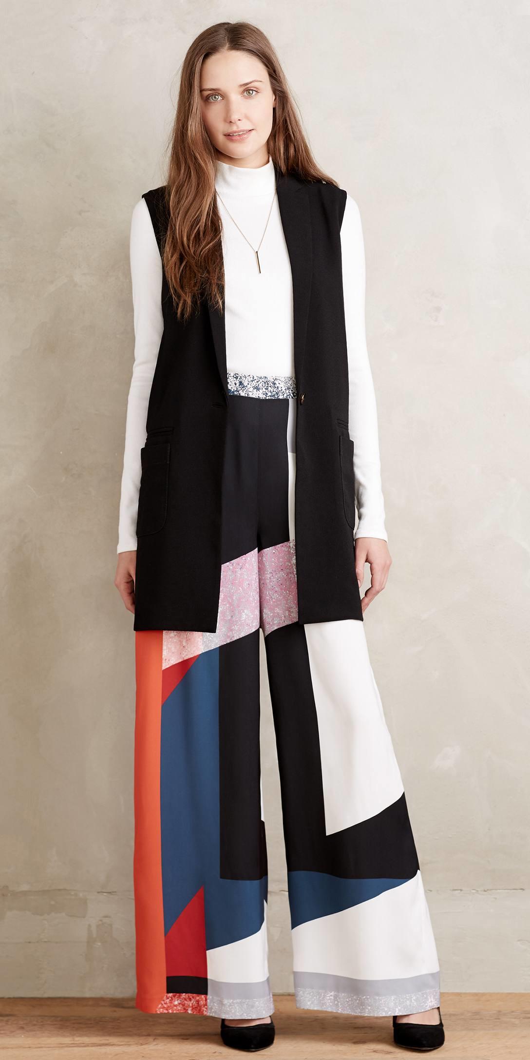 black-wideleg-pants-print-white-tee-turtleneck-black-vest-tailor-black-shoe-pumps-hairr-fall-winter-lunch.jpeg