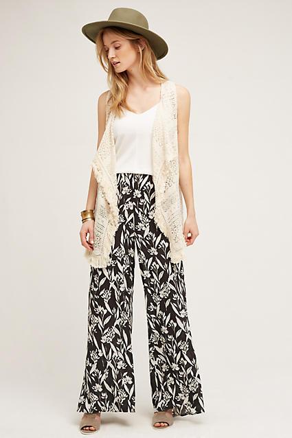 black-wideleg-pants-white-top-tank-white-vest-knit-hat-tan-shoe-sandalh-bracelet-howtowear-style-fashion-spring-summer-anthropologie-blonde-lunch.jpg