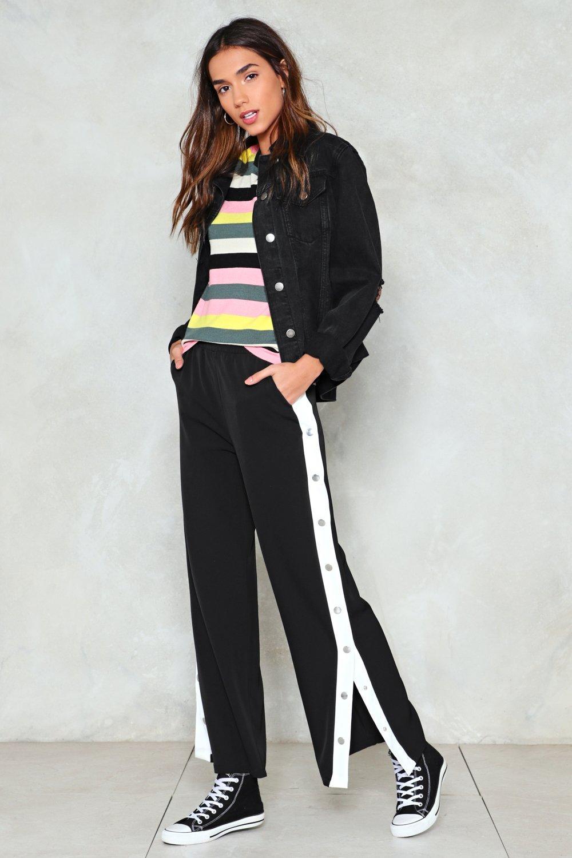 black-wideleg-pants-trackpants-pink-light-sweater-stripe-multi-rainbow-black-jacket-jean-brun-black-shoe-sneakers-fall-winter-weekend.jpg