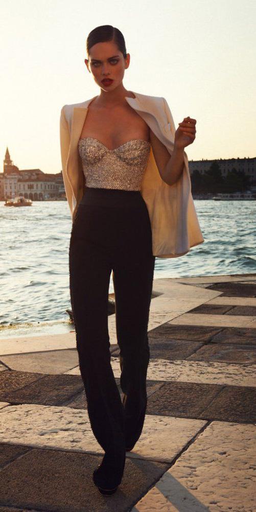black-wideleg-pants-tan-cami-bustier-tan-jacket-blazer-bun-gold-palazzo-fall-winter-hairr-dinner.jpg