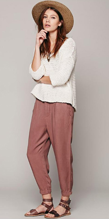 r-pink-light-joggers-pants-white-sweater-pend-necklace-wear-style-fashion-spring-summer-brown-shoe-sandals-hairr-hat-weekend.jpg
