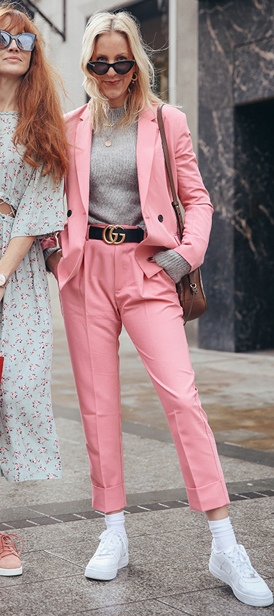 pink-light-joggers-pants-suit-belt-grayl-sweater-pink-light-jacket-blazer-brown-bag-sun-blonde-socks-white-shoe-sneakers-spring-summer-lunch.jpg