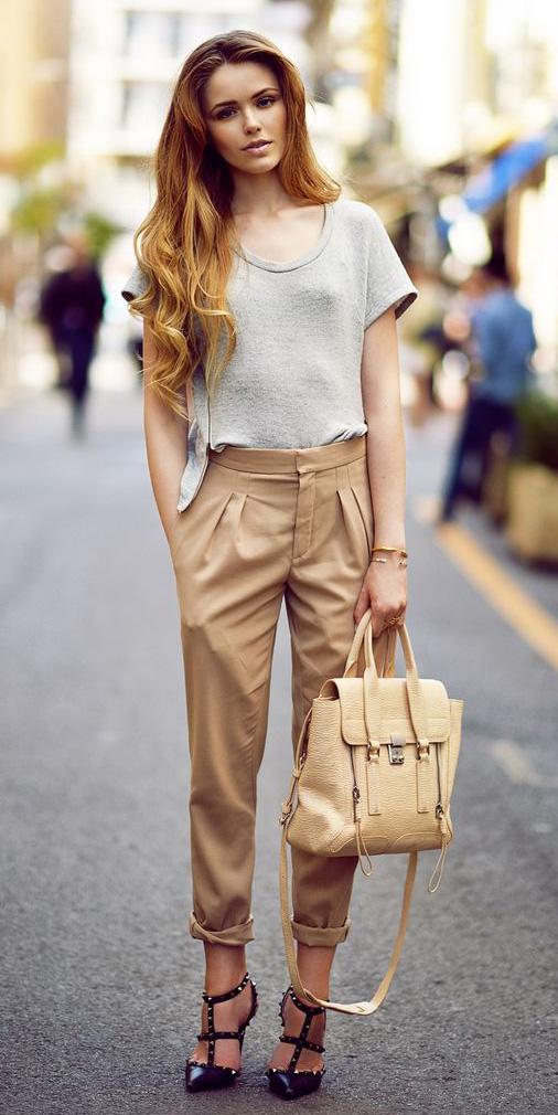 tan-joggers-pants-grayl-tee-blonde-tan-bag-black-shoe-pumps-howtowear-fashion-spring-summer-dinner.jpg
