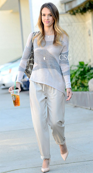 o-tan-joggers-pants-white-sweater-necklace-pend-wear-style-fashion-spring-summer-tan-shoe-pumps-jessicaalba-celebrity-hairr-lunch.jpg