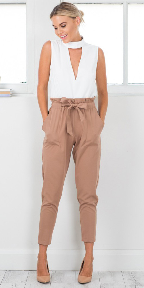 camel-joggers-pants-white-top-paperbag-bun-tan-shoe-pumps-spring-summer-blonde-dinner.jpg