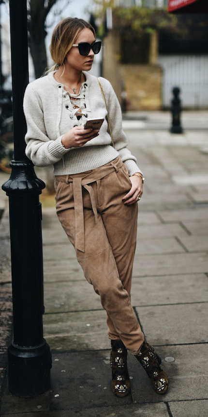 camel-joggers-pants-grayl-sweater-blonde-pony-sun-black-shoe-booties-fall-winter-weekend.jpg